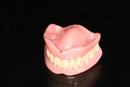 Anleitung zu Zahn- und Prothesenpflege